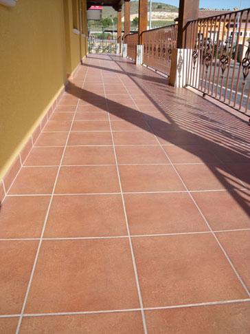 Hotel milagros ceracasa 07 ceracasa s a for Suelos de ceramica para terrazas